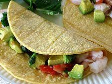Tacos cu avocado si creveti