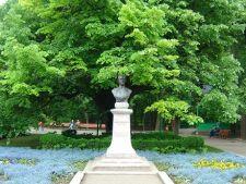 Atractii in Iasi: Teiul lui Eminescu