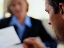 Angajatorii planuiesc concedieri in management, pentru 2012