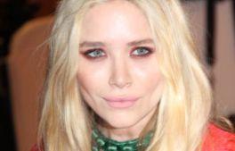 Trend alert: machiajul rosu al ochilor