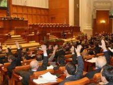 Parlamentarii isi pot angaja rudele, fara sa dea socoteala
