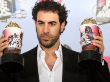 Sacha Baron Cohen, distribuit in Les Miserables