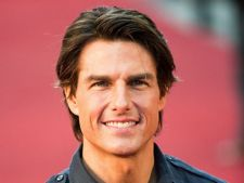 Tom Cruise face baie in gheata