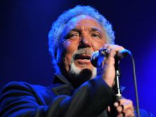 Tom Jones va juca intr-un serial TV