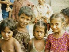 Zeci de mii de copii din Romania, cu risc de abandon scolar