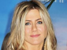 Jennifer Aniston si-a injectat Botox