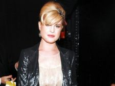 Kelly Osbourne si-a rupt mana