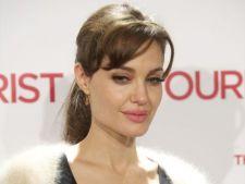 Angelina Jolie invata franceza