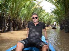 Catalin Botezatu si-a petreut vacanta in jungla vietnameza
