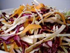 Reteta de Craciun: salata de varza