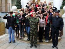 Nevestele Soldatilor conduc in topurile britanice