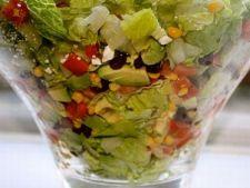 Salata mexicana cu legume si ardei iute