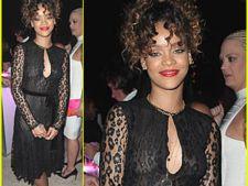 Rihanna, cu sanii la vedere de Revelion