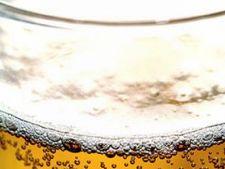 OMS: Romanii, campioni europeni la consumul de alcool