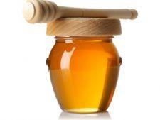 10 moduri neconventionale de a folosi mierea in casa