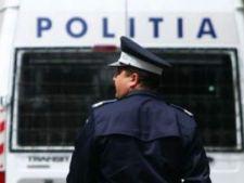 Zeci de politisti bucuresteni, saltati de mascati
