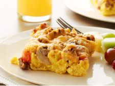 Reteta pentru mic dejun si brunch: mancare cu ou si carnati