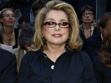 Actrita Catherine Deneuve a primit Chaplin Award pe 2012