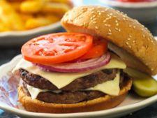Dublu burger cu vita si branza