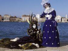 Cat te costa Carnavalul de la Venetia 2012