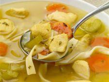 Reteta slow cooking: supa cu taitei si pui