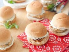 Mini burgeri de pui