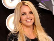 Britney Spears va iesi de sub tutela tatalui