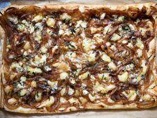 Tarta de ceapa caramelizata cu gorgonzola
