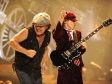 AC/DC amana inregistrarile pentru un nou album