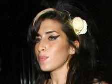 Se redeschide ancheta in cazul mortii lui Amy Winehouse