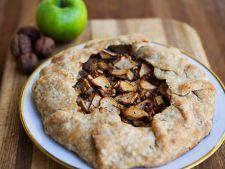 Tarta rustica cu mere, nuci si gorgonzola