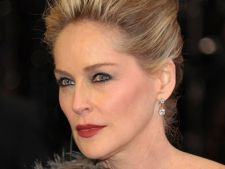 Sharon Stone va juca in Attachment