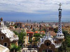 Cat platesti pentru cazare in Barcelona