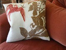 Cum alegi pernele decorative pentru casa ta