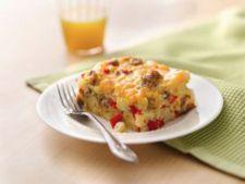 Reteta pentru mic dejun si brunch: mancare de carnati si legume la cuptor