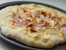 Pizza cu branza Brie
