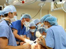 Legea care ii pedepseste pe agresorii medicilor a fost aprobata de Senat