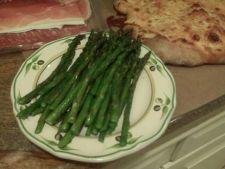 Salata cu sparanghel si prosciutto