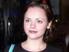 Christina Ricci, surprinsa in metroul new-yorkez