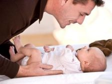 Implicarea taticului in ingrijirea bebelusului