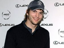 Ashton Kutcher, turist in spatiu