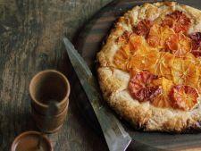 Tarta cu portocale rosii si sos de caramel
