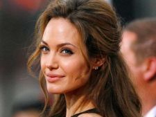 Angelina Jolie, rol in productia Maleficent