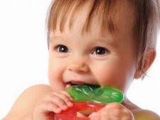 Durerile de dinti la bebelusi, 5 metode rapide de calmare