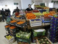 Razie in pietele Crangasi si Rahova. Au fost confiscate peste 2 tone de alimente!
