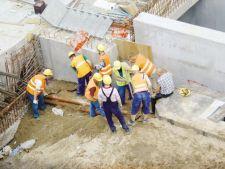 Tarile arabe ofera salarii de 14.000 euro romanilor