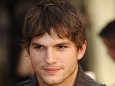 Ashton Kutcher, in rolul lui Steve Jobs