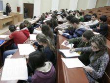 Taxe de scolarizare mai mari pentru studenti