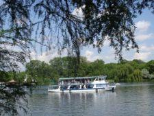 Plimbari gratuite de Paste pe lacul Herastrau
