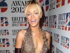 Rihanna se drogheaza?